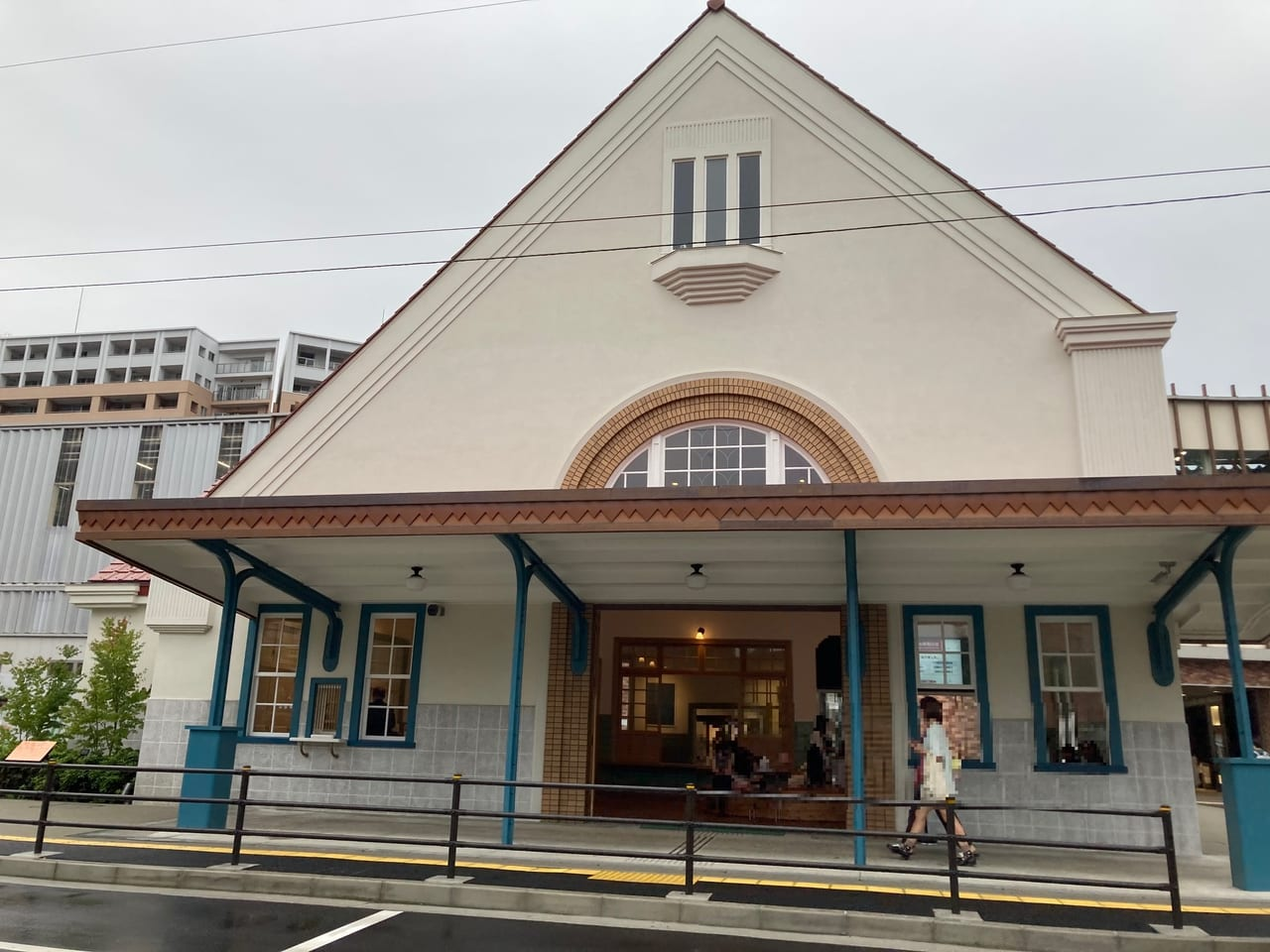 衝撃・・『ガスト国立駅前店』が7月26日で閉店。チェーン店の閉店が相次いでいます。